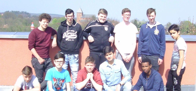 Die Gruppe auf dem Dach der Jugendherberge in Nideggen